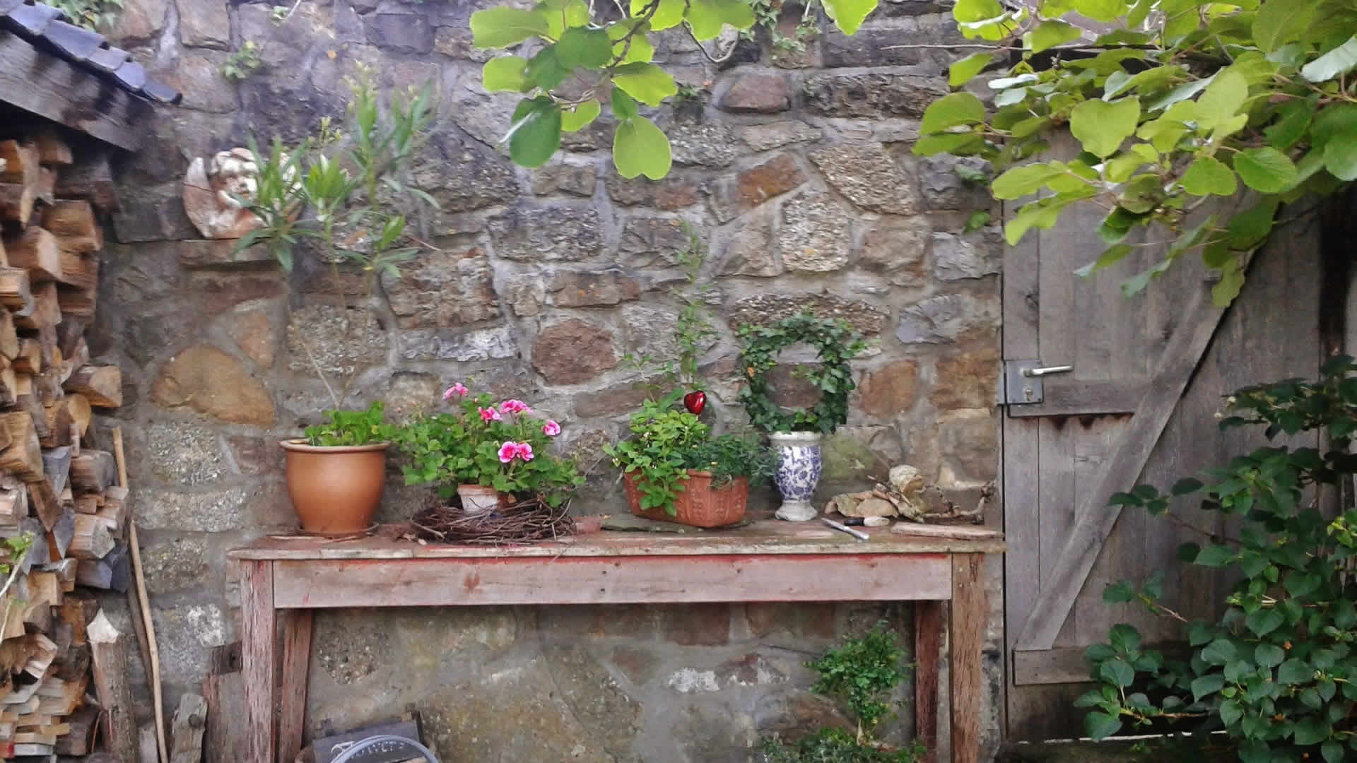 Ihres Gartens